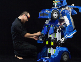 World's First Robot That Can Transform Into A Sports Car