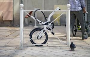 patrick-jouffret-agency-360-norbert-peytour-npinnovation-kiffy-urban-tricycle-designboom-05-645x409