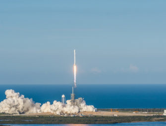 FCC Approves SpaceX Plan to Launch Broadband Satellites