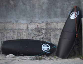 Blea Shark E-Surfboard Lets You Surf Anywhere