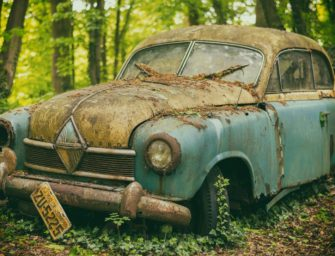 What Can You Salvage From an Old Car?